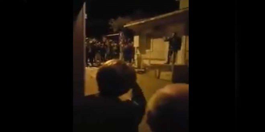 Meral Akşener'in evinin önünde eylem yapan 16 kişiye beraat