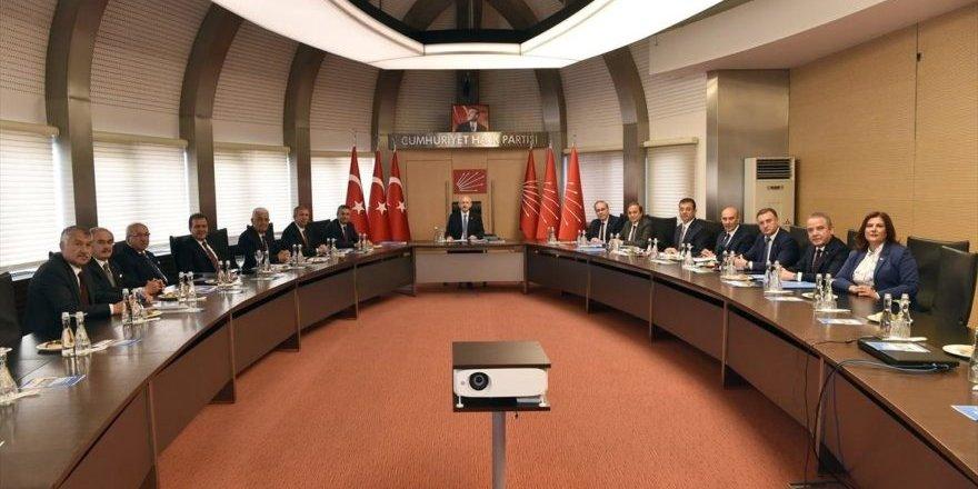 Kılıçdaroğlu, CHP'li Büyükşehir Belediye Başkanları ile görüştü