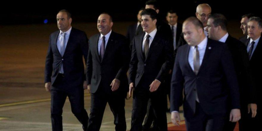 """""""Çavuşoğlu, Erbil'e kabarık bir çantayla geldi"""""""