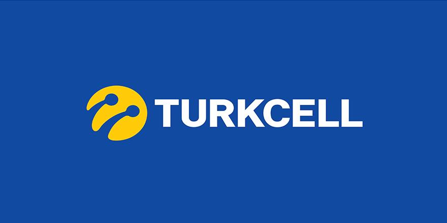 Bakan, Turkcell'den istifa etti