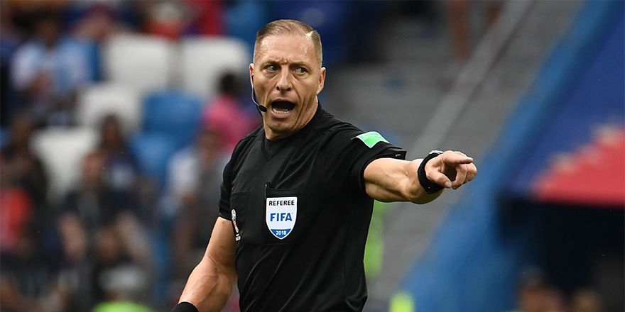 Dünya Kupası finalini yönetecek hakem belli oldu