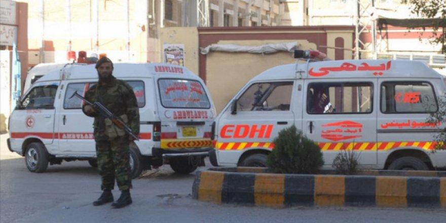 Pakistan'da otele silahlı saldırı
