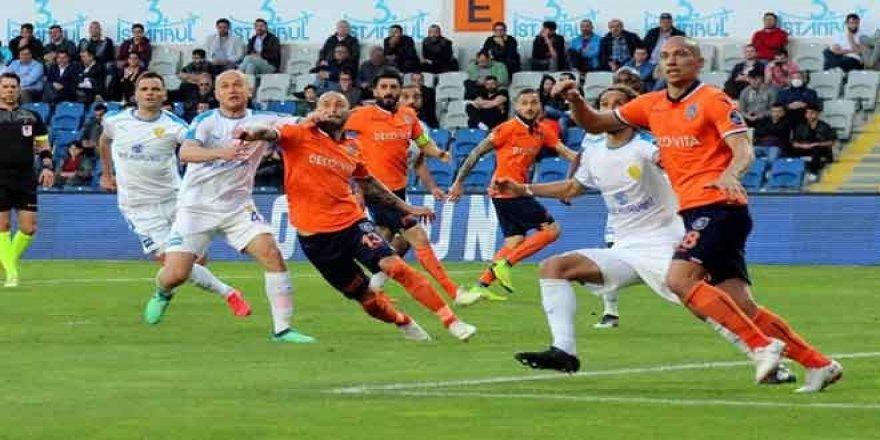 Başakşehirspor geri döndü, zirveyi bırakmadı