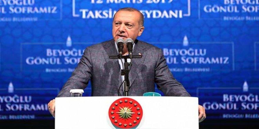 Cumhurbaşkanı Erdoğan: Sanatçı Sanatıyla Konuşur, Bu Tür İnsanlara Dalkavukluk Yapmaz