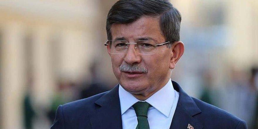 """Davutoğlu'ndan dikkat çeken telefon... """"Allah sizi korumuş"""""""