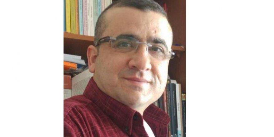 Onur Akbaş Yazdı: Mahzuni Şerif'in Kimliği ve 19 Mayıs Ruhu