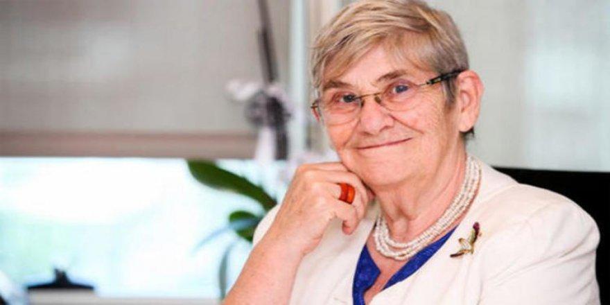 Kalp ve İç Hastalıkları Uzmanı Prof. Dr. Canan Karatay, Kalbi Koruyan Besinleri Açıkladı
