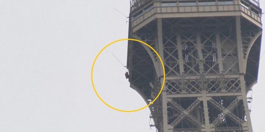 Eyfel Kulesi'nde Güvenlik Alarmı! Tahliye Edildi
