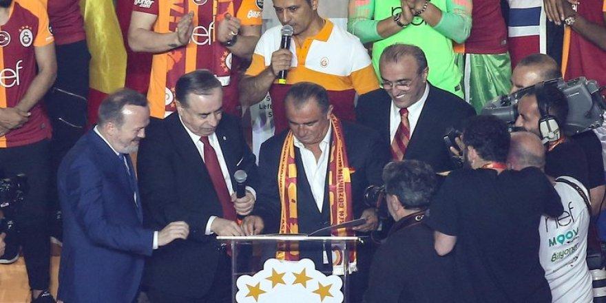 Hiçbir Yere Gitmiyorum 5 Yıl Daha Galatasaray'dayım