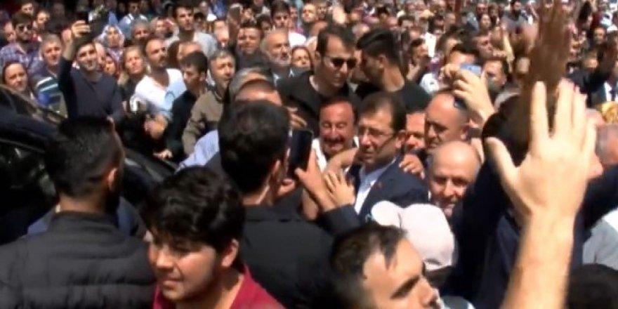 Ekrem İmamoğlu Cami Çıkışı Islıklarla Yuhalandı! İstanbul'da Protesto
