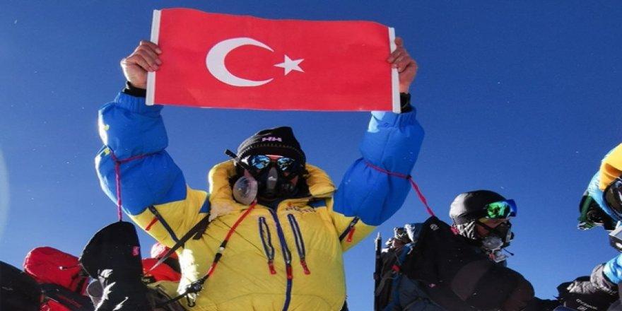 Doğan Satmış Yazdı: Arçelik Ceo'su Everest'e Çıktı ve Alkışları Hak Etti