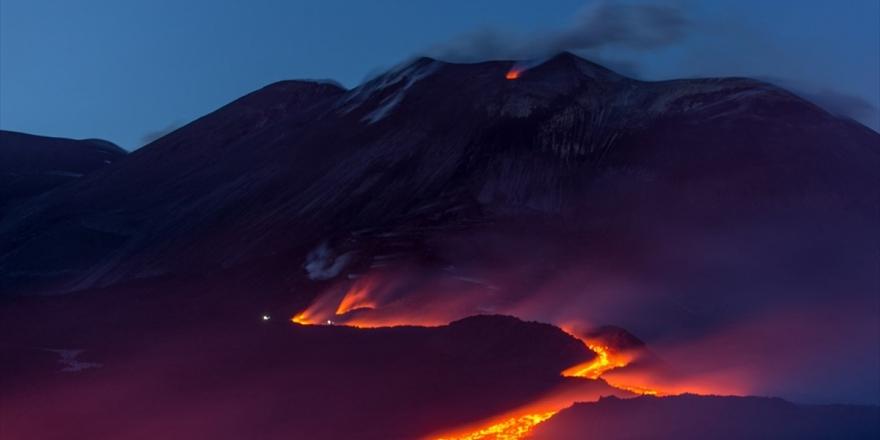 Etna Yanardağı Aktif Duruma Geçti