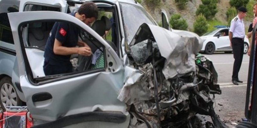 Bayram Tatilinin İkinci Gününde Trafik Kazaları Can Aldı