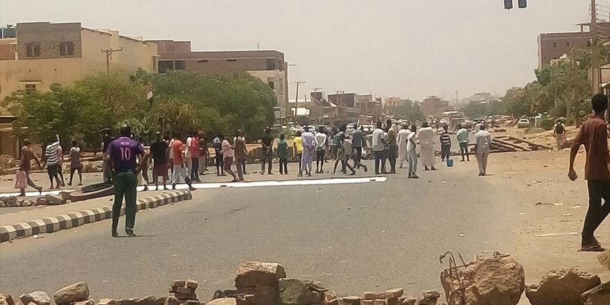 Sudanlı Muhalifler Ölü Sayısının 100'ü Geçtiğini İddia Etti