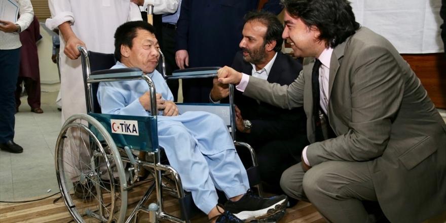 Tika'dan Pakistanlı İhtiyaç Sahiplerine 200 Tekerlekli Sandalye