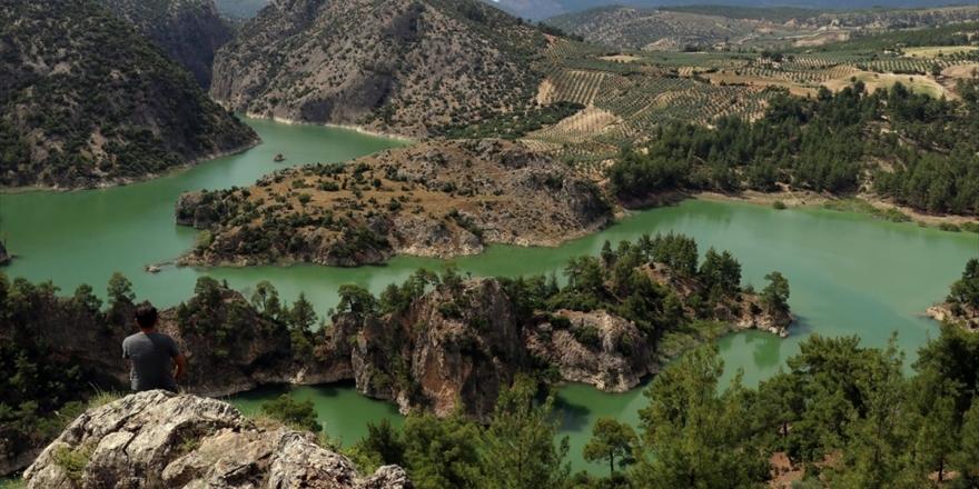 Üç İlin Sınırındaki Kanyon Ziyaretçilerini Büyülüyor