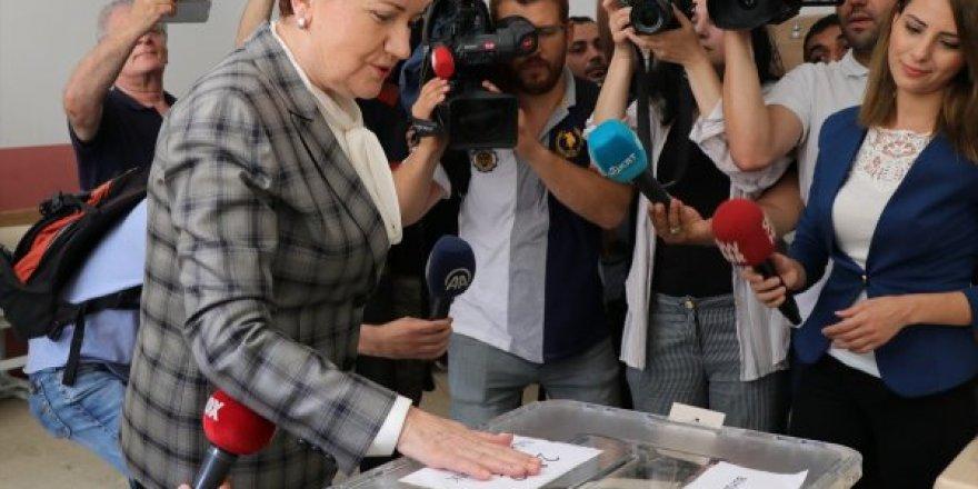 İyi Parti Genel Başkanı Meral Akşener, Oyunu Kullandı