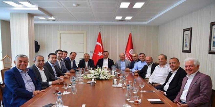 CHP'li Vekil, Ekrem İmamoğlu'nun CHP'li Başkanlarla Yaptığı Toplantıyı Eleştirdi