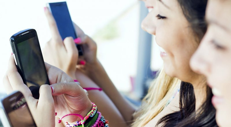 ABD'DE YAPILAN BİR ARAŞTIRMADA, AŞIRI CEP TELEFONU KULLANIMININ ÜNİVERSİTE ÖĞRENCİLERİ ÜZERİNDEKİ ETKİLERİ ARAŞTIRILDI