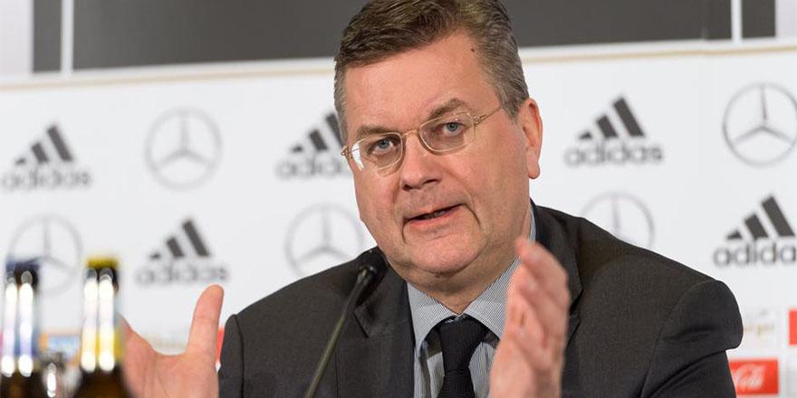 Alman Futbol Federasyonu'ndan Özil'in ırkçılık suçlamasına yanıt