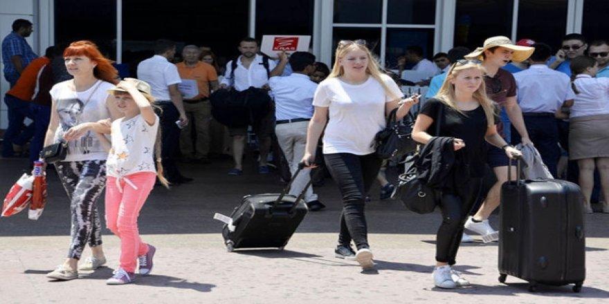 Antalya'ya Temmuz'da Gelen Günlük Ziyaretçi Sayısında Rekor Kırdı