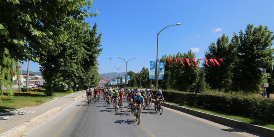 15 Temmuz Şehitlerini Anma Ulusal Bisiklet Yol Yarışı Tamamlandı
