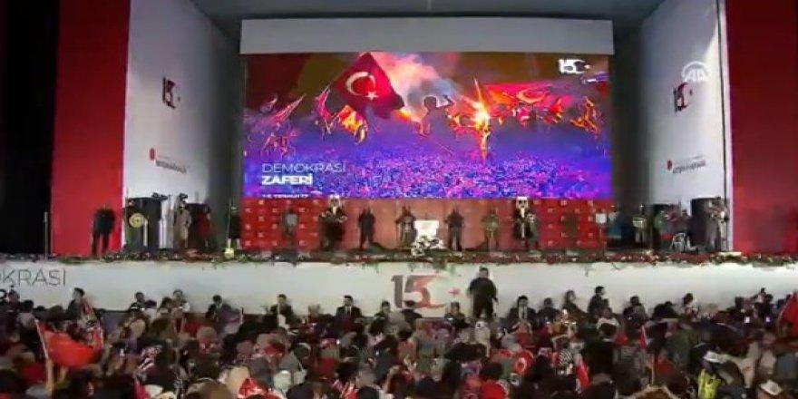 Cumhurbaşkanı Erdoğan'dan Atatürk Havalimanı'nda Önemli Mesajlar