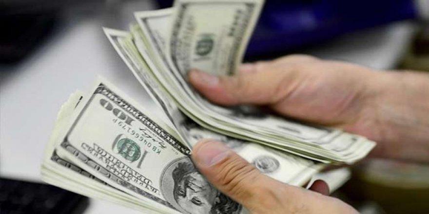 Beklentinin Üzerinde Faiz İndirimi Sonrası Dolar 5.65'e Kadar Geriledi