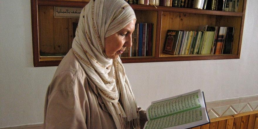 Müslüman Olduktan Sonra İspanya'da İlklere İmza Atan Kadın: Miriam Cuenca