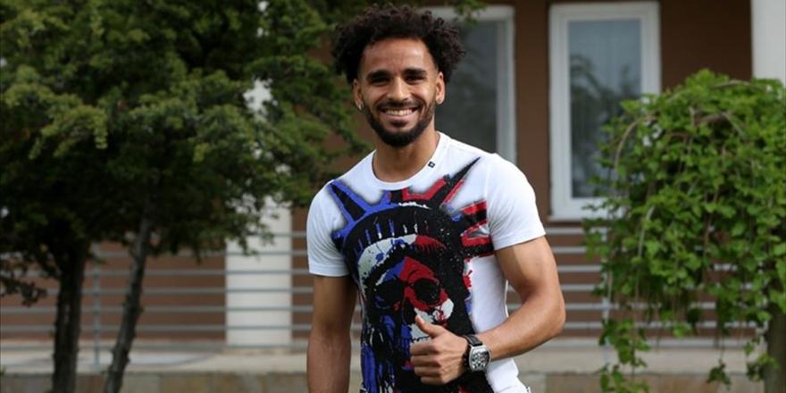 Beşiktaş Douglas İle 3 Yıllık Sözleşme İmzaladı