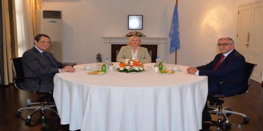 Kıbrıslı liderler bir araya geldi