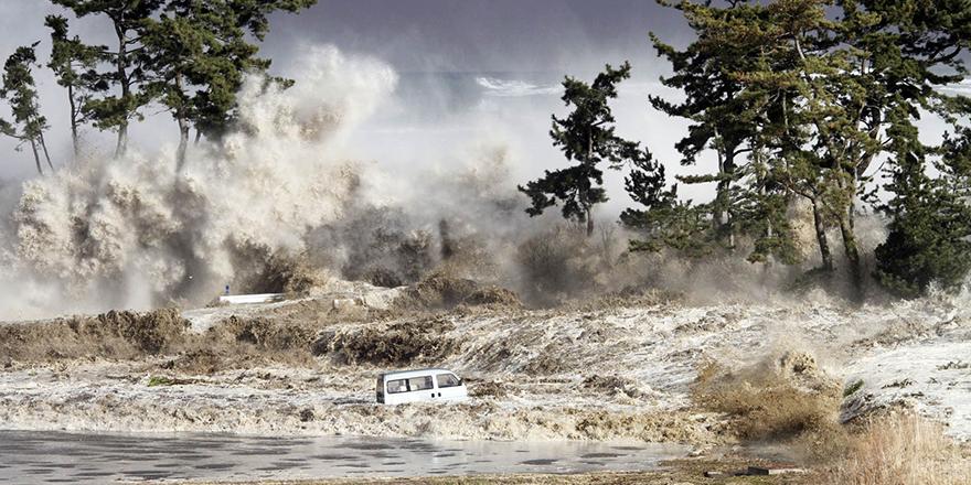 11 ülke harekete geçti! Türkiye de tehdit altında: Akdeniz'de tsunami alarmı