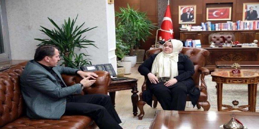 Bakan Selçuk, Memur-Sen Genel Başkanı Yalçın'a Hükümetin Yeni Zam Teklifini Sundu