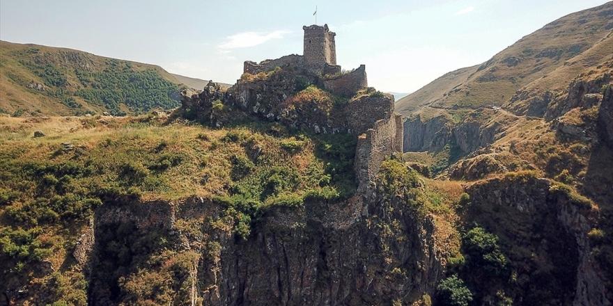 Zirvedeki Şeytan Kalesi'ne Turist İlgisi