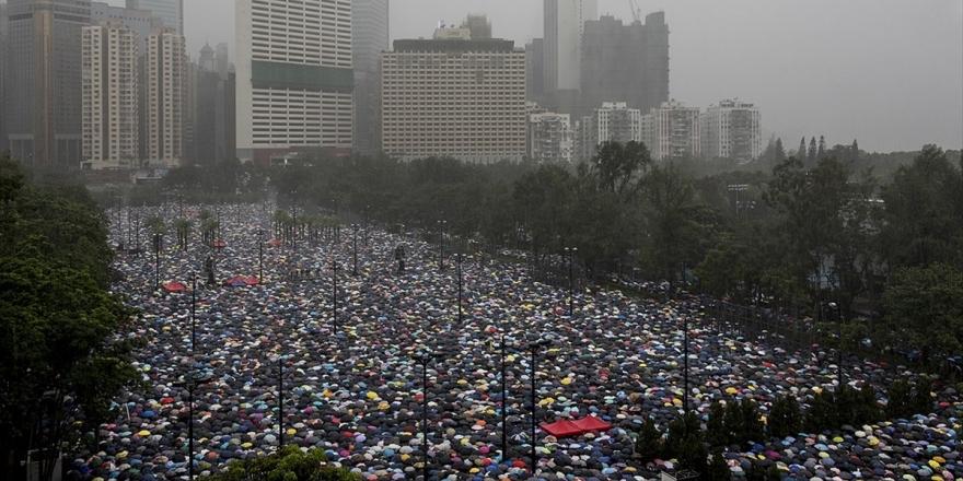 Hong Kong'daki Protestolar Hükümetin Üzerindeki Baskıyı Artırıyor
