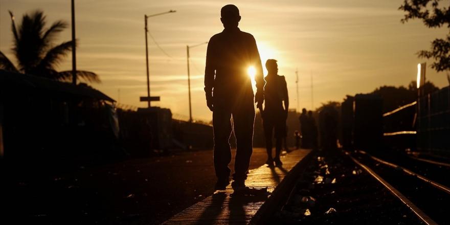 Trump Yönetiminden Yasa Dışı Göçmen Aileler İçin Süresiz Gözaltı Kararı