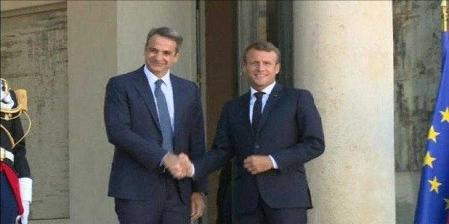 Macron'dan Türkiye'ye Karşı Yunan'a Destek