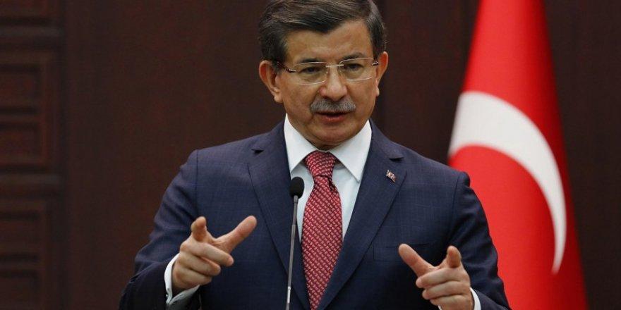 Eski danışmanından çok sert sözler: Ahmet Davutoğlu intihar etti