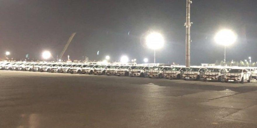 İmamoğlu, İBB'nin İhtiyaç Fazlası Kiraladığı Yüzlerce Aracı Yenikapı'ya Getirtti