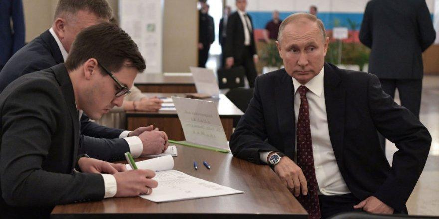 Rusya'da Halk Yerel Seçimler İçin Sandık Başında