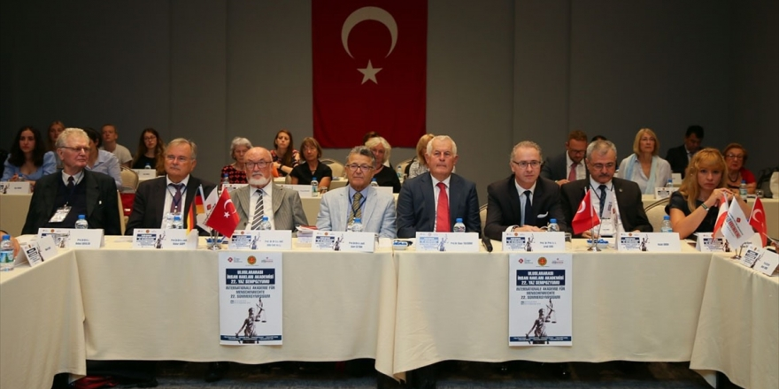 Uluslararası İnsan Hakları Akademisi Yaz Çalıştayı Başladı
