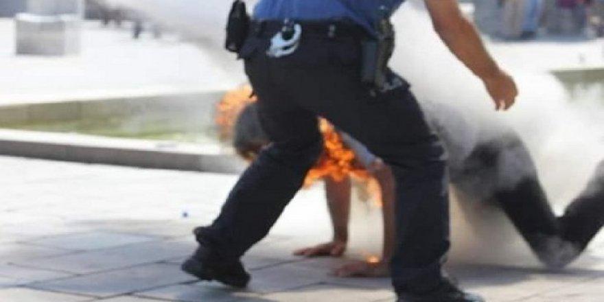 Ankara Güvenpark'ta Bir Kişi İşsizim, Açım, Adalet İstiyorum Diyerek Kendisini Yaktı