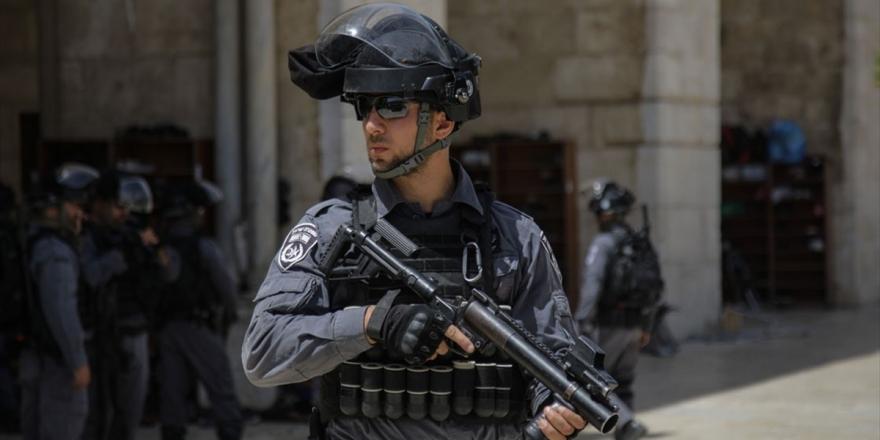 İsrail Güçlerinden Filistinli Partinin Ofisine Baskın