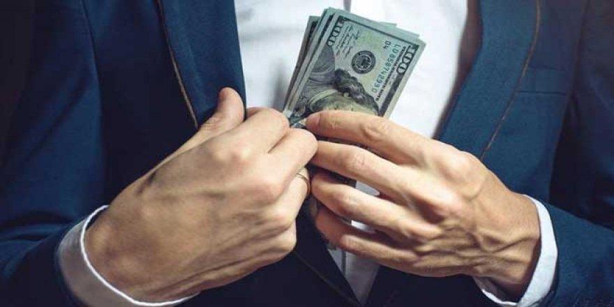 Banka Mevduatları Geriledi, Vatandaşların Dolar Birikimleri Arttı