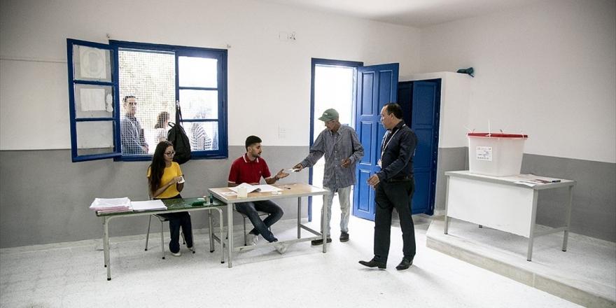 Tunus'ta Cumhurbaşkanlığı Seçimlerinde Oy Verme İşlemi Başladı