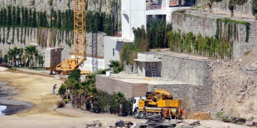 Sahillerde Belgeleri İptal Edilen Kaçak Yapılar