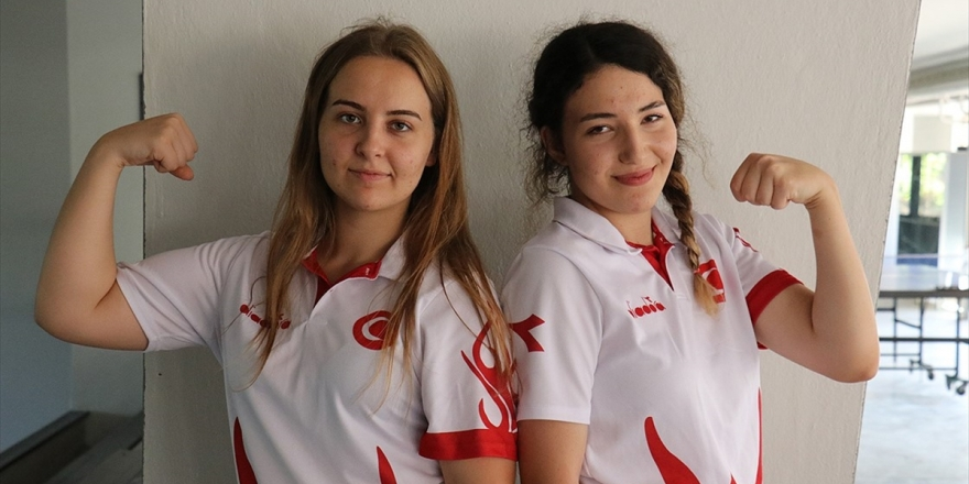 Bilekleri Bükülmeyen Kızlar Dünya Şampiyonasına Odaklandı