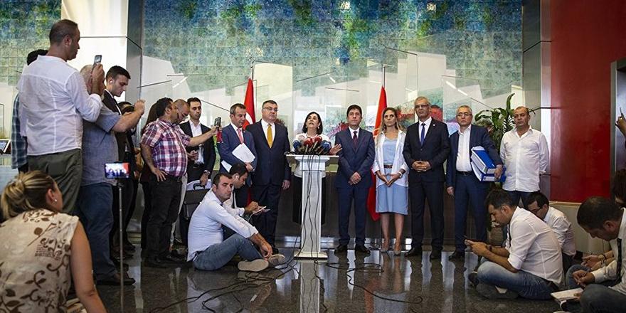 CHP'li Usluer: Biz ev sahibiyiz, başka partiye gitmiyoruz