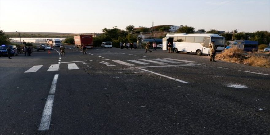 Şanlıurfa'da Askeri Midibüs ile tır çarpıştı: 1 şehit, 14 asker yaralı
