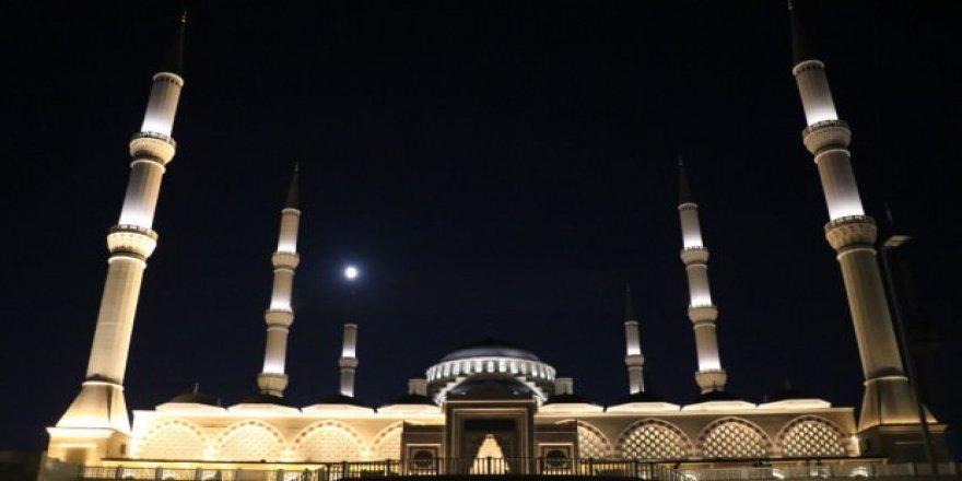 Barış Pınarı Harekâtı Nedeniyle İstanbul'da Tüm Camilerde Sela Okundu